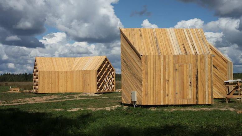 Домики в деревне Никола-Ленивец