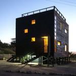 Кубический дачный дом из дерева